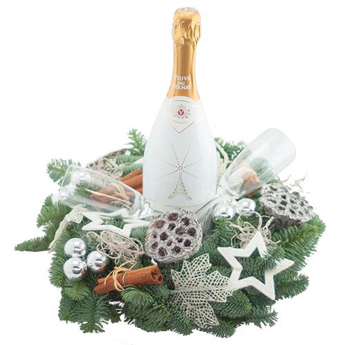 Fles ilmiogusto white met kerstkrans en glazen